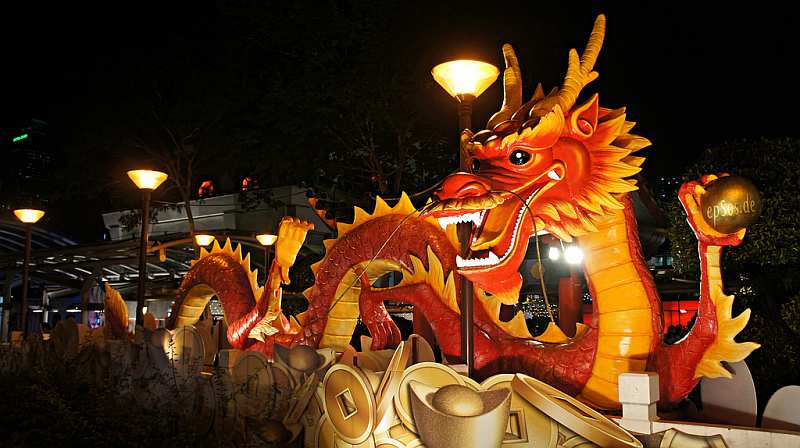 19-chinese-dragon-on-a-float