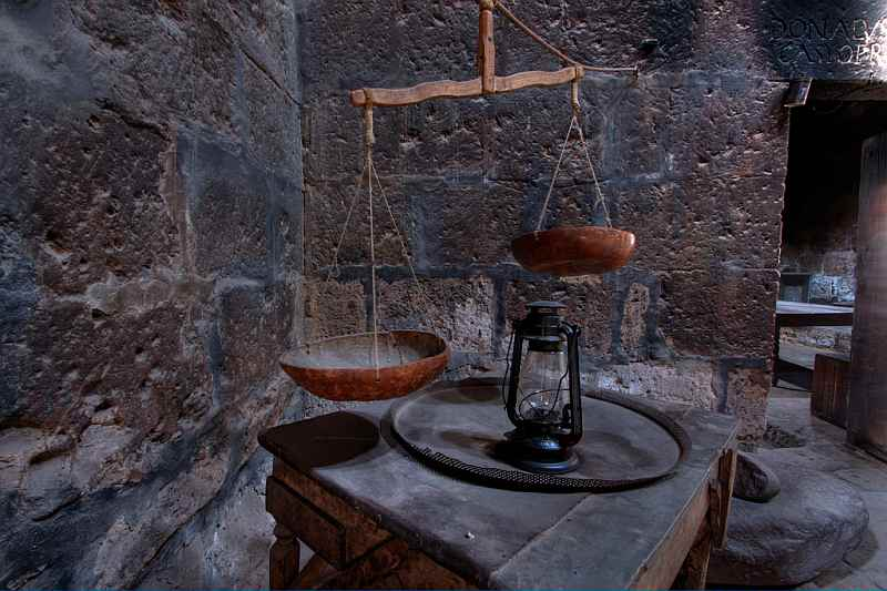 Kitchen balance in the Convent of Santa Catalina – Arequipa